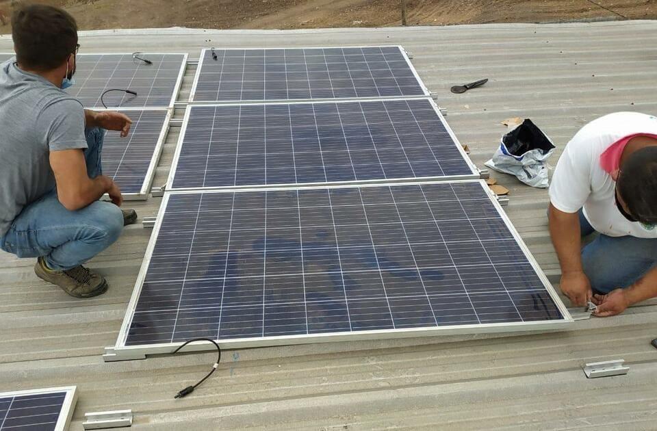 Paneles solares en la Planta RSU
